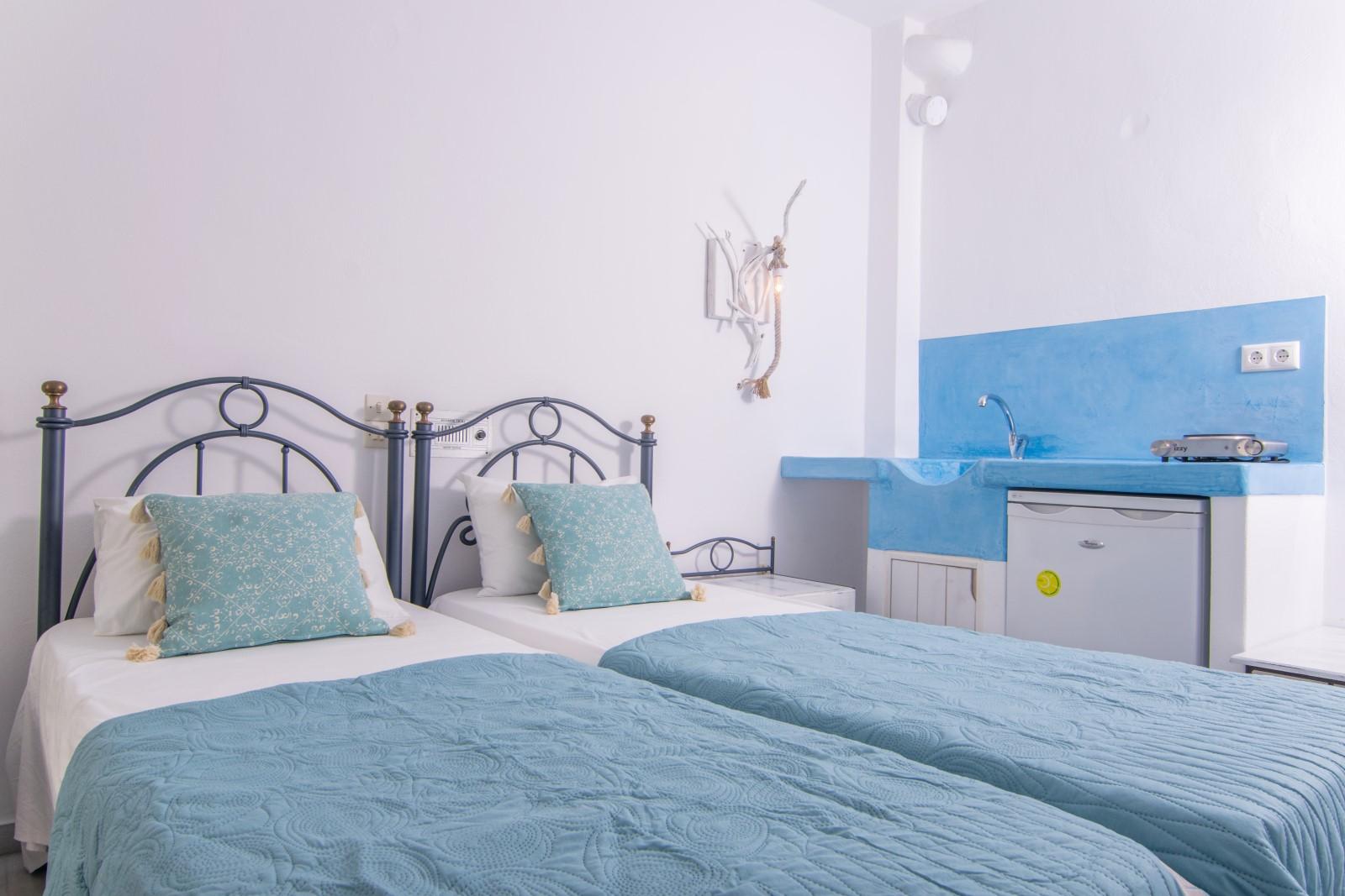 studios-naxos-irene-standard twin room-ok