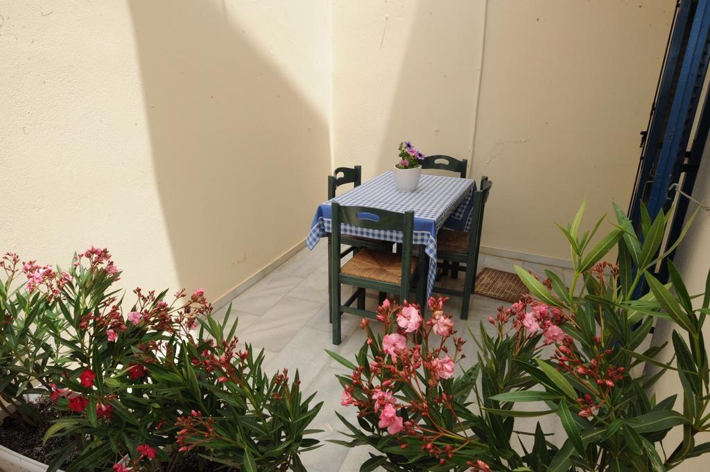 studios-naxos-irene-Two-bedroom-apartment-Semi-basement